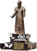 Statue of Bishop Wenzao Lo